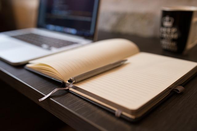 Vollzeit arbeiten und studieren Teilzeitstudium tipps zeitmanagement